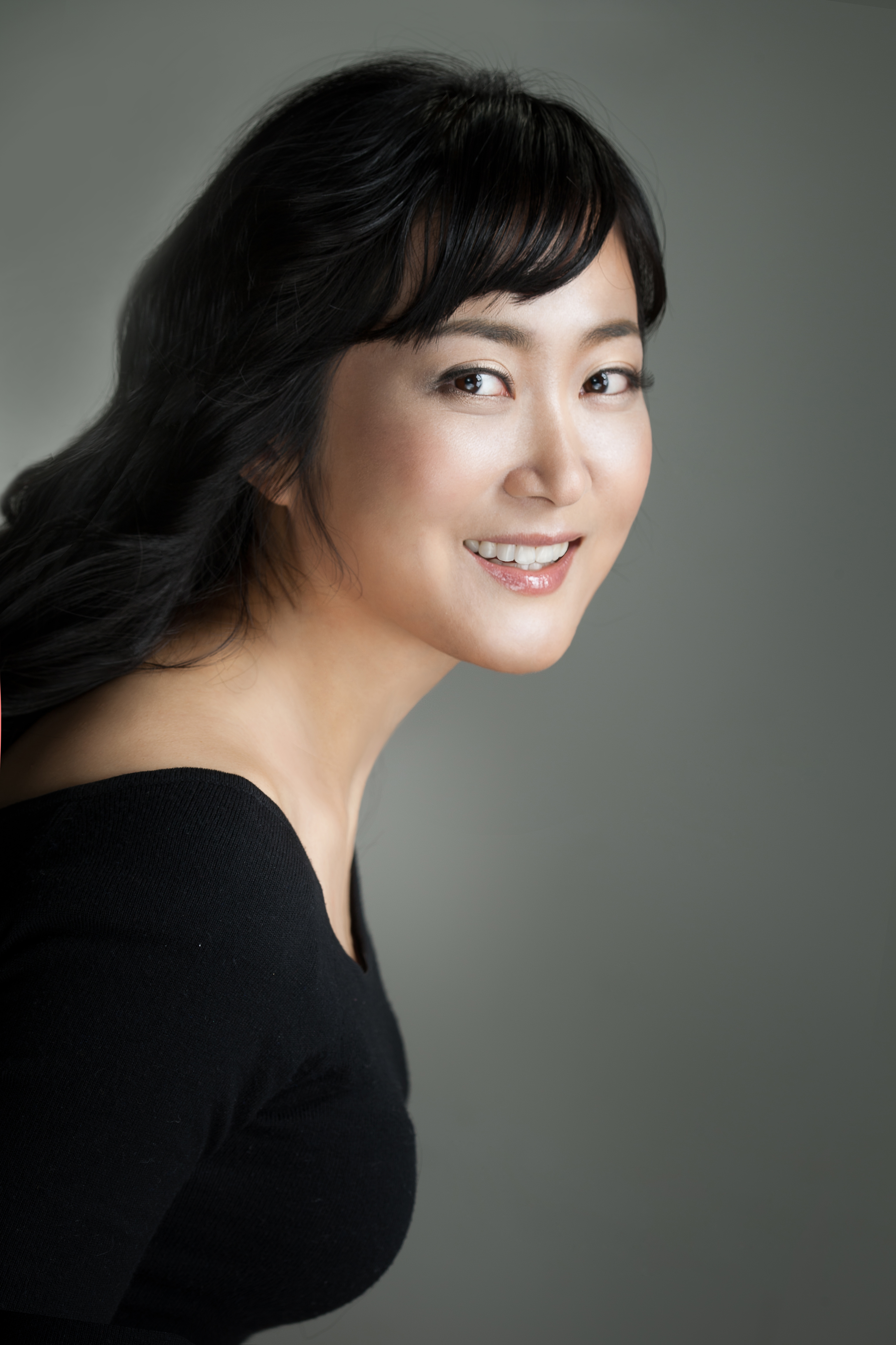 Onyu Park Profile Pic.jpg